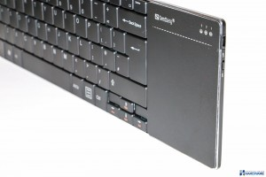 SANDBERG BLUETOOTH TOUCHPAD KEYBOARD REVIEW UNBOXING__012