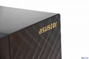 ASUSTOR AS1002T REVIEW UNBOXING_007