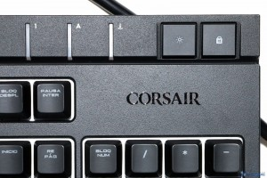 CORSAIR STRAFE RGB REVIEW UNBOXING_010
