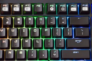 RAZER BLACKWIDOW CHROMA REVIEW_002